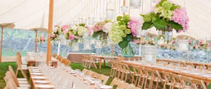 Сватбена украса с цветя: Висящи цветни инсталации